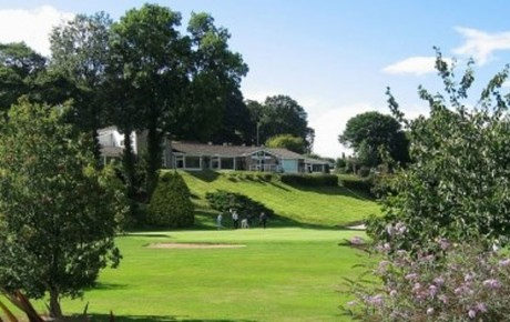 Play a round of 18 at Llangollen Vale